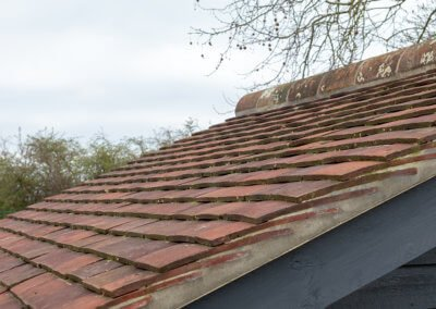 Reclaimed pin tile roof
